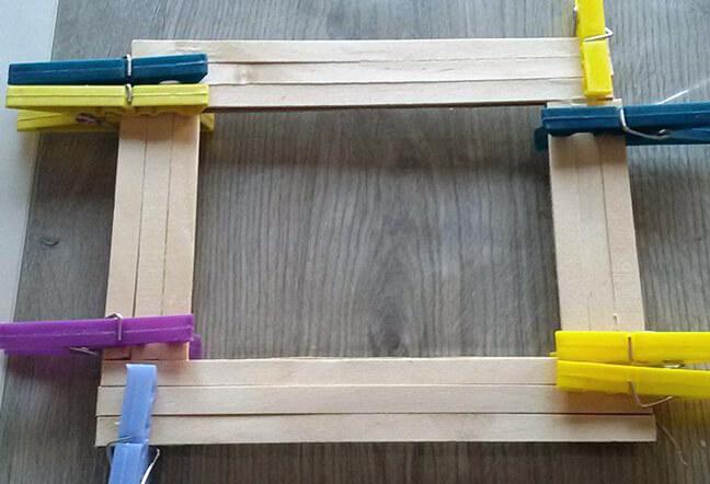 Karton Ve Çubuklardan Çerçeve Yapımı